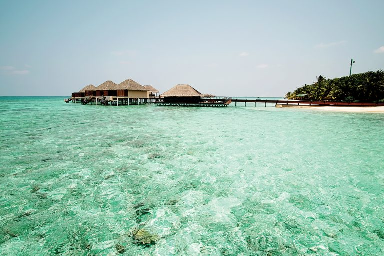 Maldives đôi khi không lộng lẫy! - Ảnh 4