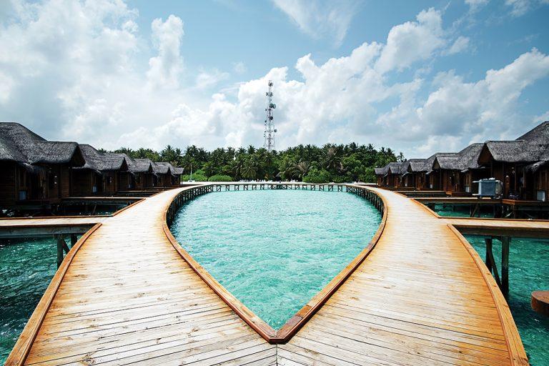 Maldives đôi khi không lộng lẫy! - Ảnh 5