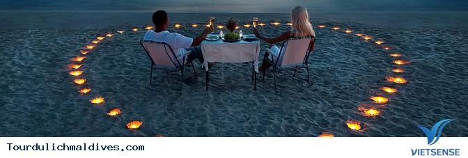 Thưởng thức bữa tối cực kỳ lãng mạn cho các cặp đôi tại Maldives - Ảnh 2