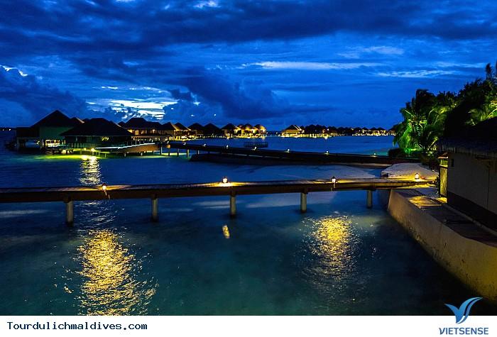 Khám phá Maldives sôi động và huyền ảo về đêm - Ảnh 7