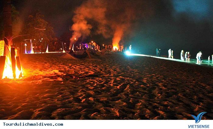 Khám phá Maldives sôi động và huyền ảo về đêm - Ảnh 3