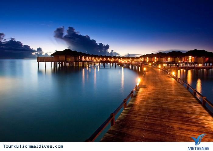 Khám phá Maldives sôi động và huyền ảo về đêm - Ảnh 1