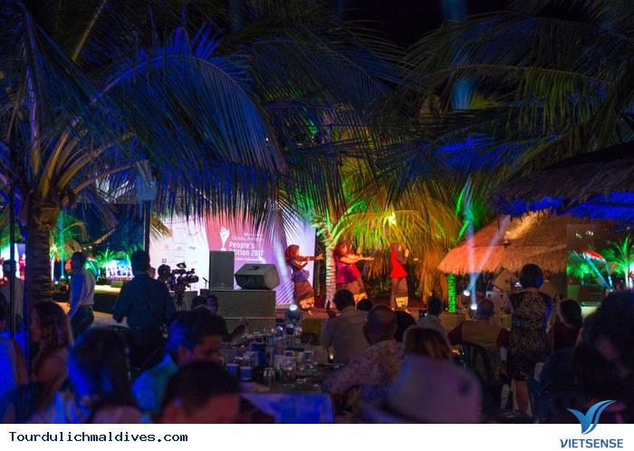 Khám phá Maldives sôi động và huyền ảo về đêm - Ảnh 4